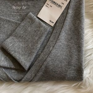 J Crew 100% Cotton Perfect Fit V-Neck Tee NWT